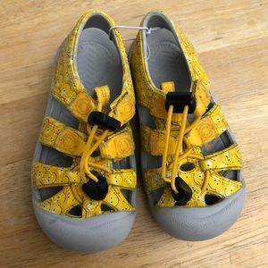 🆕List! Keen Toddler Outdoor Sandals! E/VGUC!